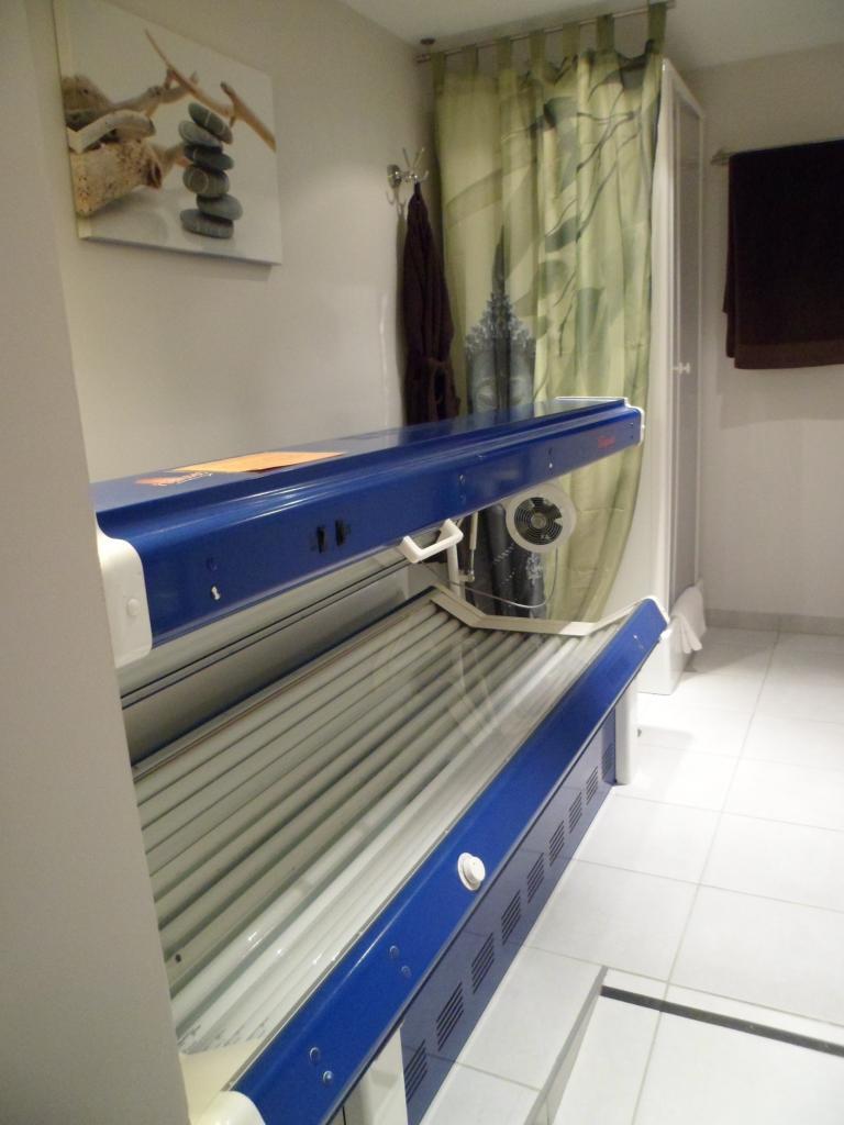 Solarium UVA basse pression avec cabine douche